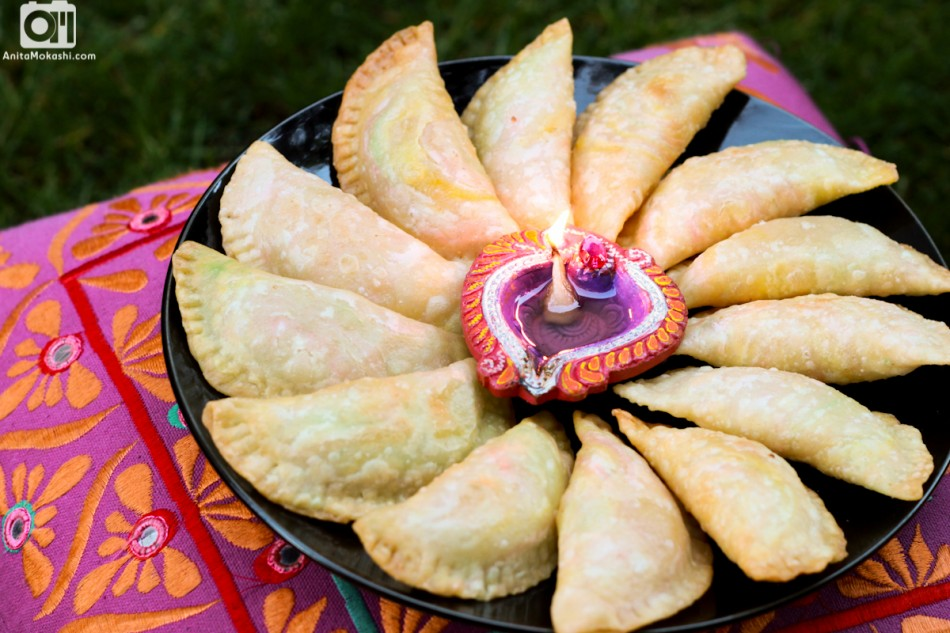 Karanji recipe diwali special crave cook click karanji as known in marathi is a popular diwali snack among maharashtrians it is a deep fried sweet snack made from all purpose flour and is stuffed with forumfinder Gallery