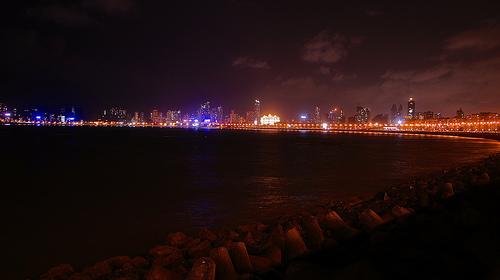 Marine Lines - Pearl necklace, Mumbai