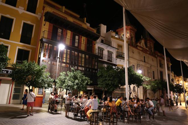 Amazing outdoor relaxing restaurants