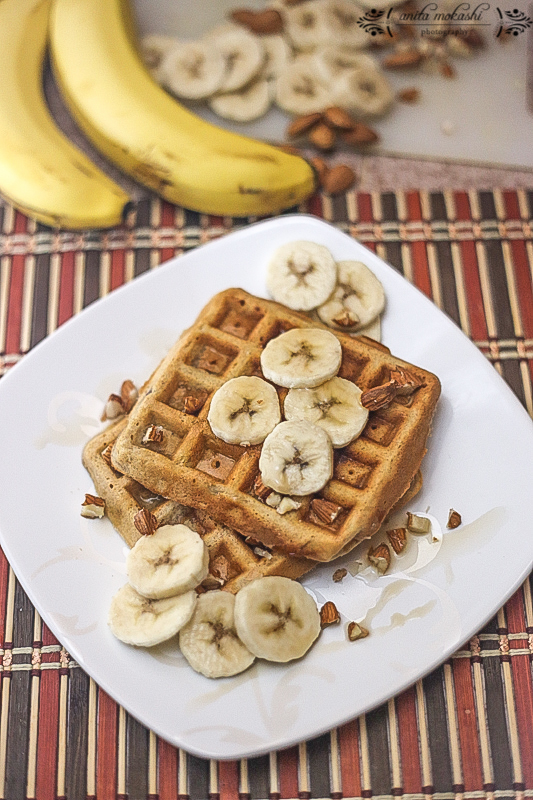 Whole Wheat Banana Almond Waffles Recipe