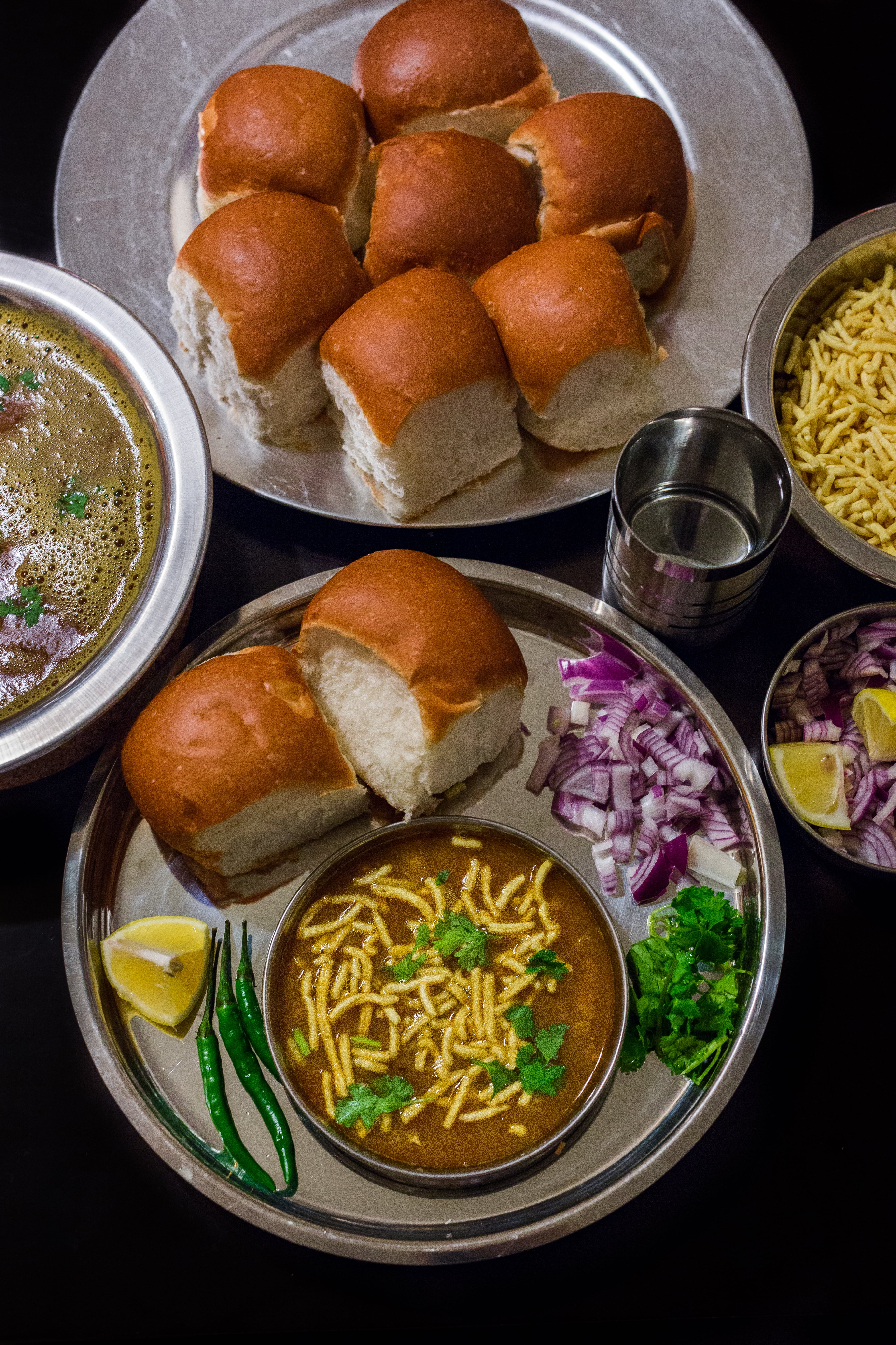 sevusal, baroda, usalpav, indianfood, spicy, tasty foodphotography, foodblog