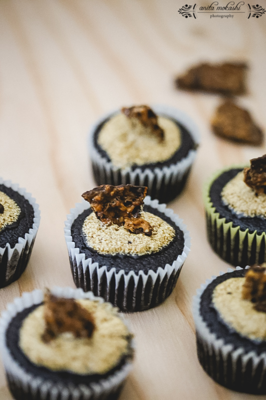 Chocolate Cupcakes with Coffee Glaze Recipe