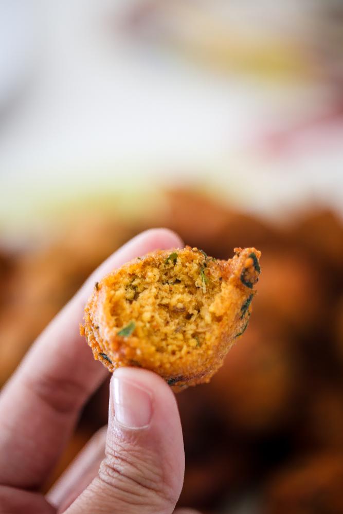 Methi Na Gota/Methi Fritters/ Methi Pakoda Recipe
