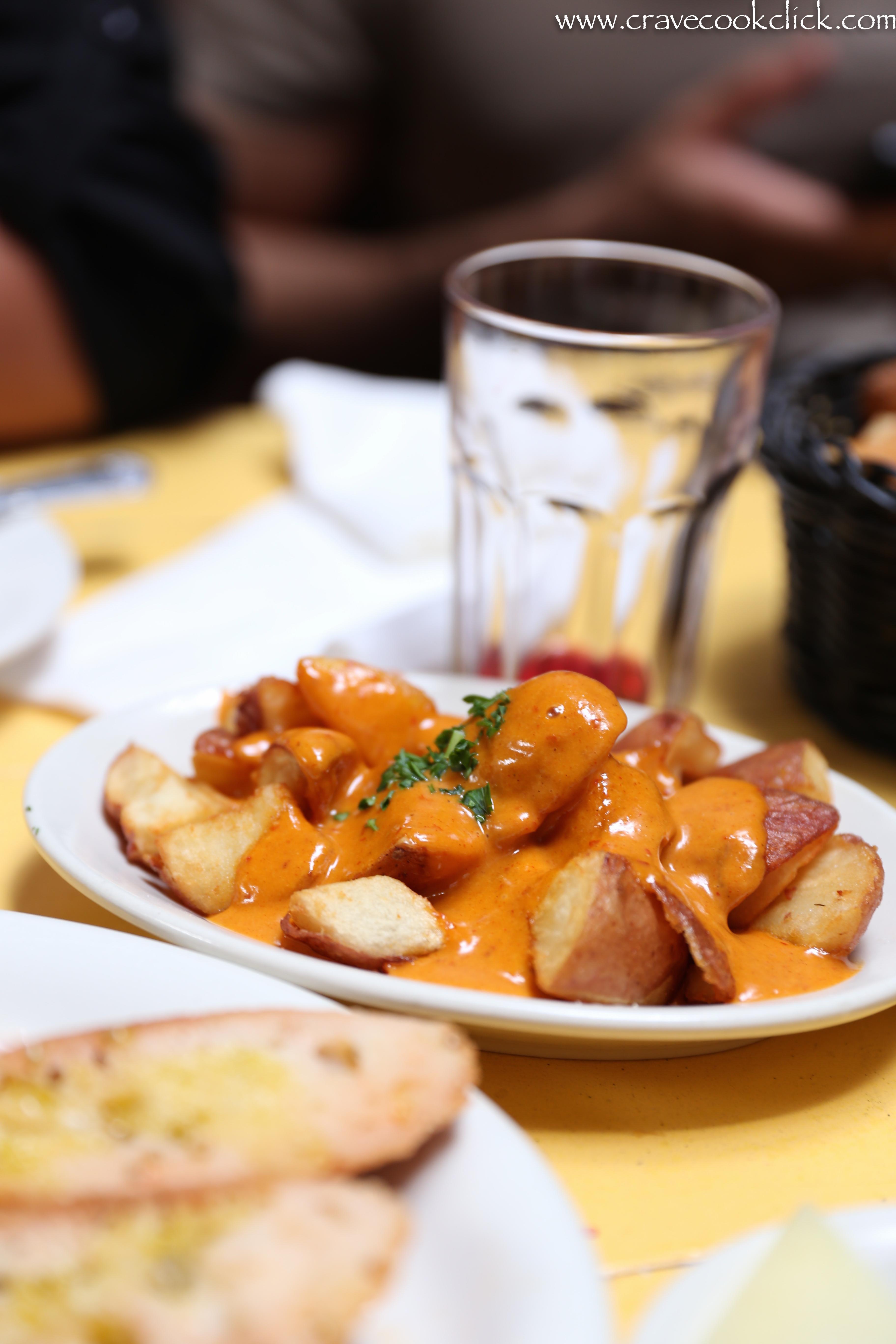 Patatas Aioli - Potatoes with homemade garlic mayonnaise