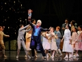 Val-Caniparoli-and-San-Francisco-Ballet-School-students-in-Tomassons-Nutcracker..jpg