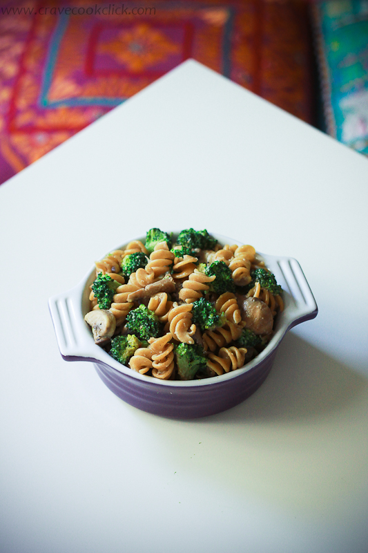 Whole Wheat Pasta with Broccoli and Mushrooms Recipe