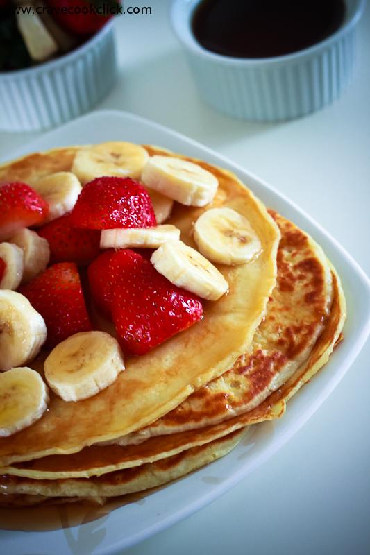 Pancakes with Strawberries & Bananas