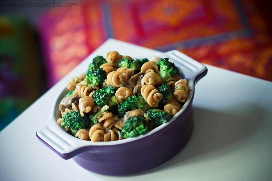 Whole Wheat Pasta with Broccoli and Mushrooms Recipe