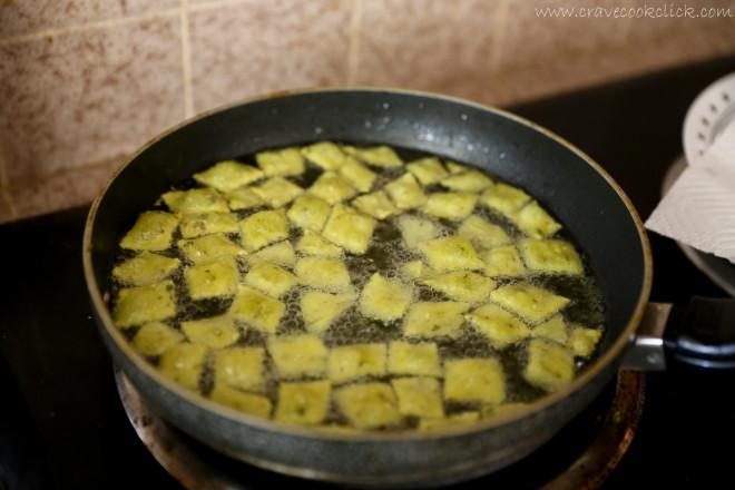 Methi Shankarpale Recipe-Crunchy Diwali Delicacy