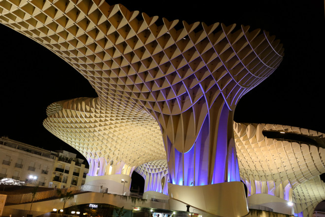 Metropol Parasol is a wooden structure located at La Encarnación square, in the old quarter of Seville. It was designed by the German architect Jürgen Mayer-Hermann and completed in April 2011