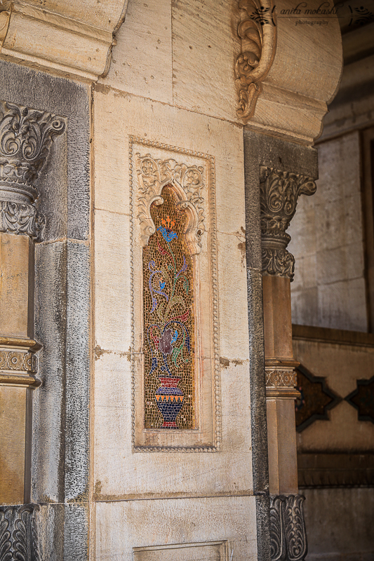 During the construction, modern amenities like elevators were added. One can see multi-coloured marbles, tiles, opulent designs and various art works in the interior of the palace.